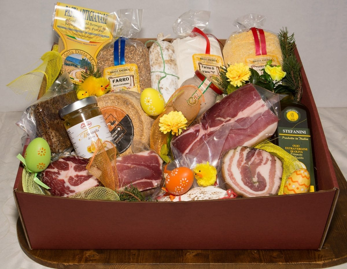 Baskets and gift boxes for easter 2017 salumificio artigianale easter box extra large negle Image collections